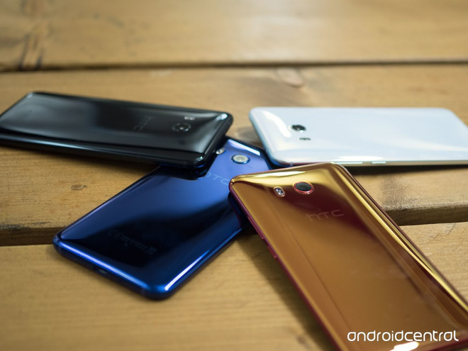 HTC, smartphone