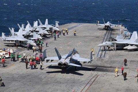 Cận cảnh tàu sân bay chuẩn bị thay thế USS Carl Vinson tại Thái Bình Dương