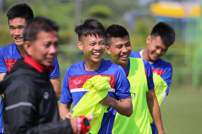 """HLV Hoàng Anh Tuấn tung """"bài độc"""", U20 Việt Nam tự tin đấu New Zealand"""