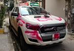 Hà Nội: Lái xe ngã ngửa nhìn ô tô bị xịt sơn hồng chằng chịt