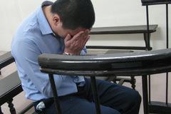 Mẹ khổ đau xin giảm án cho nghịch tử giết cha