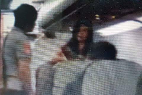 nữ hành khách mắng tiếp viên, cấm bay, Vietjet Air, Cục Hàng không VN