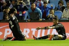 Ronaldo lập cú đúp, Real chạm một tay vào chức vô địch