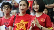 Tình cũ Công Phượng tung hứng bóng đá cùng danh thủ Hồng Sơn