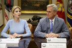 Ivanka Trump thay cha chủ trì họp ở Nhà Trắng