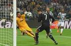 Griezmann khiến Ronaldo đau lòng, Malaga buông để Real vô địch