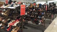 Nhiều trung tâm mua sắm trở thành những 'thị trấn ma' hiện đại?