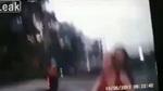 Phóng nhanh, hai cô gái đi xe máy lao thẳng vào đầu ô tô