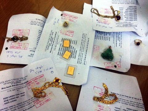 Lưu mã số trên két bị giúp việc vét sạch tiền vàng