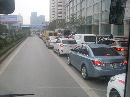 xe buýt nhanh Hà Nội, tàu điện, giao thông công cộng, ùn tắc giao thông