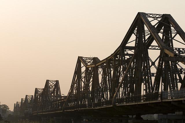 cầu Long Biên, cấm đường