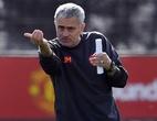"""Mourinho """"gây hấn"""" Ajax, Conte báo tin vui"""
