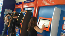 Nạy phá hộc tiền trụ ATM, dùng hung khí tấn công bảo vệ