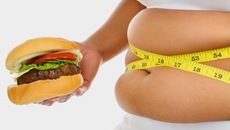 Tránh được béo phì nếu bạn uống nước hàng ngày