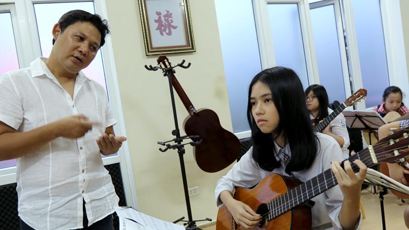 [VietnamNet.vn] Học đánh guitar cực nhanh nhờ phần mềm máy tính