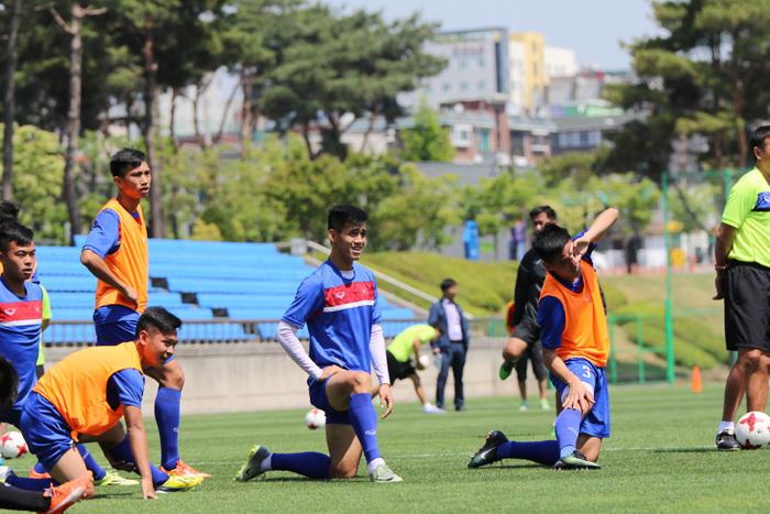 U20 Việt Nam đếm ngược, MU quyết sống mái với Ajax