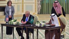 Vừa đi công du, ông Trump đã đạt thỏa thuận hàng trăm tỷ đô