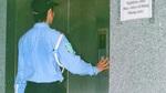 Cô gái xinh đẹp trốn trong chung cư khiến bảo vệ 'toát mồ hôi'