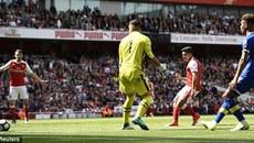 Vùi dập Everton, Arsenal lần đầu nằm ngoài top 4 sau 20 năm