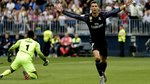 Ronaldo lập công, trọng tài góp tay trao Cúp cho Real