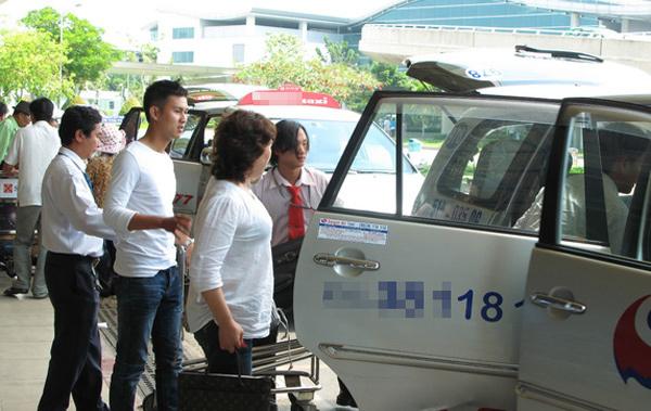 Đi Nội Bài chỉ 150 ngàn: Taxi sân bay thời dìm nhau đến 'chết'