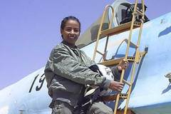 Hy hữu nữ phi công bắn hạ thầy dạy lái MiG-29