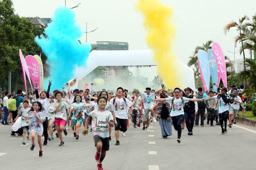 Đến Color Me Run, 'quẩy tưng bừng' cùng MOOV và Vietnamobile