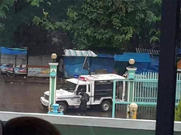 'Chân rết' IS tấn công Philippines, đốt cháy nhà thờ
