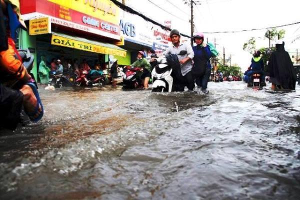 mưa lớn, ngập nước, Sài Gòn, ngập nặng, kẹt xe