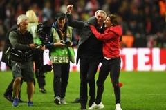 Cha con Mourinho phát cuồng vì chức vô địch Europa League
