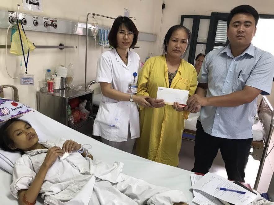 Nhờ có bạn đọc giúp đỡ, em Ngô Thị Thảo tiếp tục được chữa bệnh