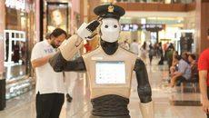 Robot cảnh sát đầu tiên thế giới gây sốt ở Dubai