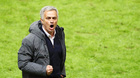 Vừa lên ngôi, Mourinho gây sốc với ý định giải nghệ