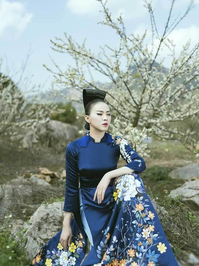 'Nàng thơ' của Kenny Thái khoe sắc với áo dài giữa rừng hoa mận nở trắng trời