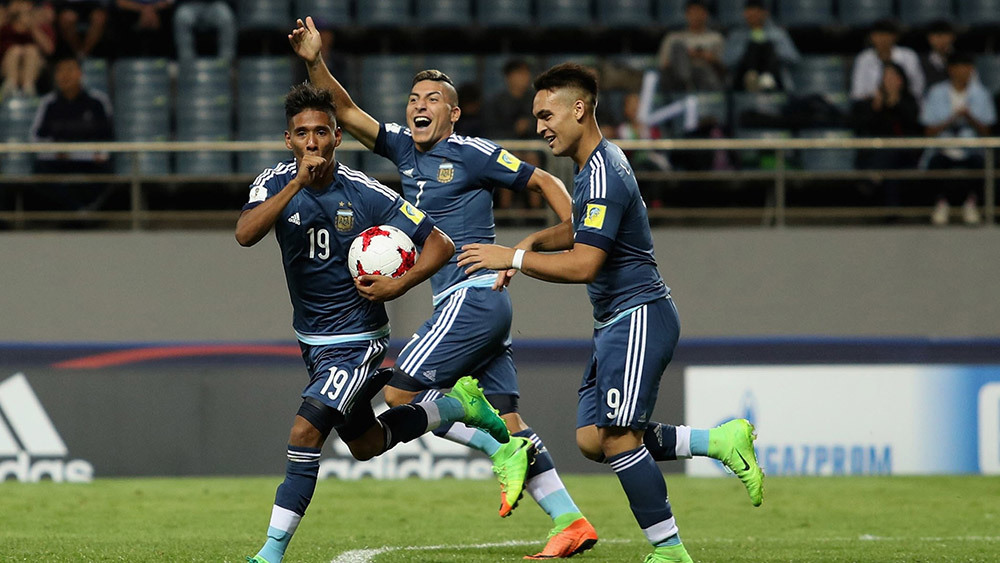 U20 Anh nhất bảng, U20 Argentina ngồi chờ vé vớt