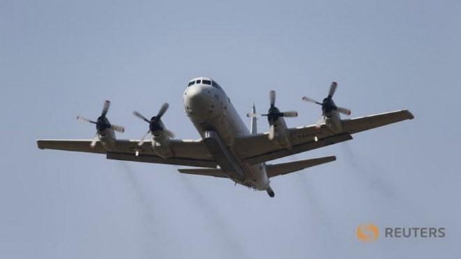 Máy bay Trung Quốc chặn máy bay do thám Mỹ