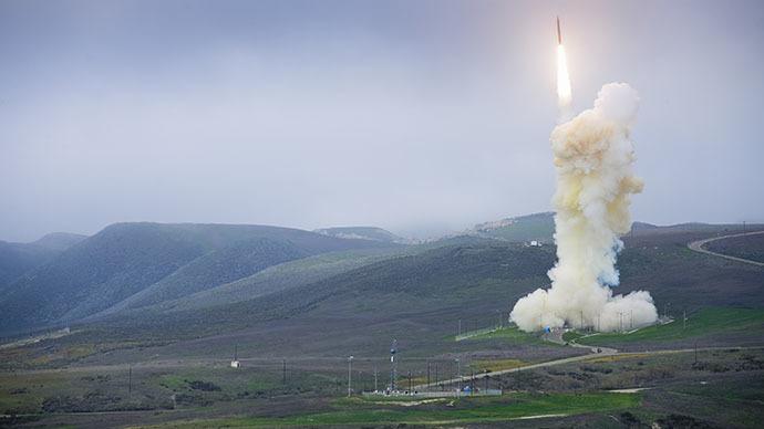 Mỹ lần đầu thử đánh chặn tên lửa đạn đạo xuyên lục địa