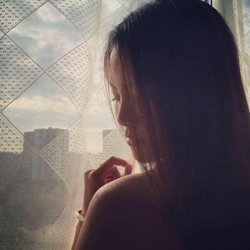 Ngỡ ngàng nhan sắc vợ trẻ kém 20 tuổi của Chí Anh sau khi sinh con