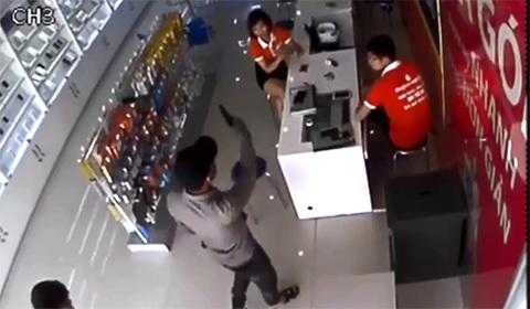 cướp siêu thị