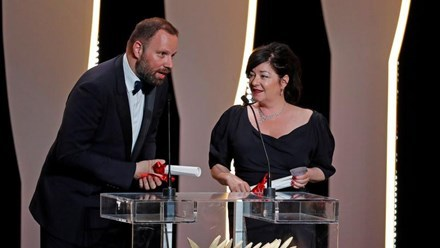 Cành cọ vàng cho phim hài đen Thụy Điển