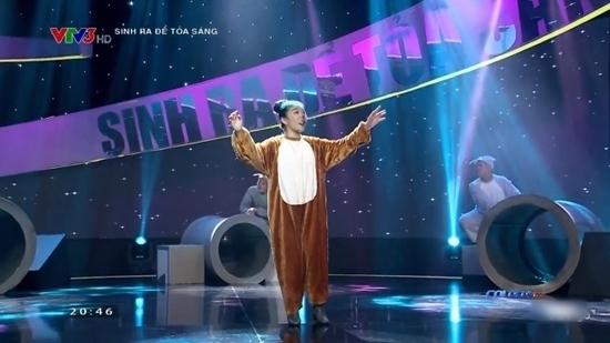 Việt Hương phấn khích nghe Bảo Lâm hát hip-hop