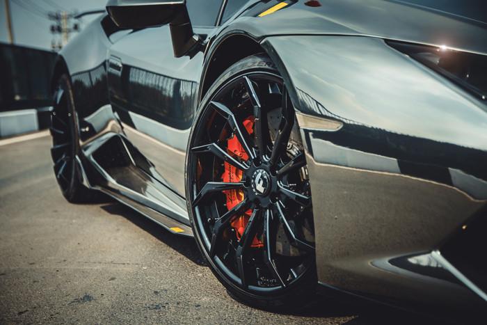 Lamborghini Huracan độ độc nhất Việt Nam nổi bật trên báo Tây
