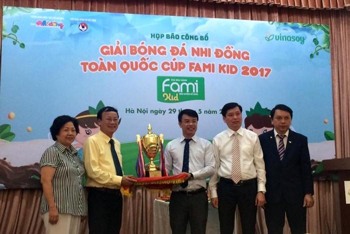 Tăng tiền thưởng cho giải bóng đá Nhi đồng toàn quốc 2017