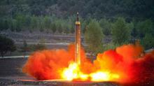 Giải mã tên lửa Hwasong-12 bí ẩn của Triều Tiên