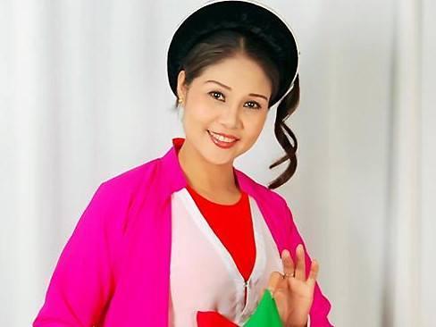 """NSƯT Thanh Ngoan hát bolero vì """"Ấm tình nghệ sĩ"""""""