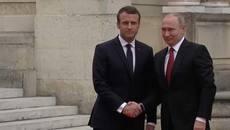 TT Pháp chào mừng TT Nga tới cung điện Versailles