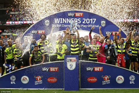 Xác định CLB cuối cùng giành vé dự Ngoại hạng Anh