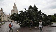 Giông bão tấn công Moscow, thương vong lớn