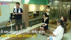 Kỳ lạ lớp học khỏa thân trong phòng tắm công cộng