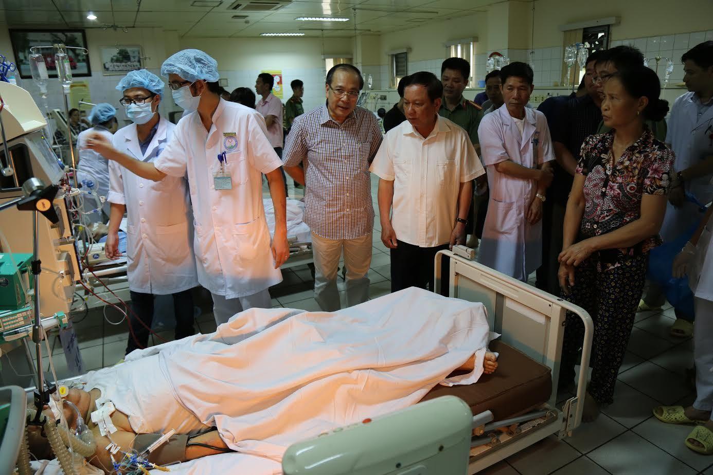 Tâm sự gan ruột của Phó khoa cấp cứu cho 18 người chạy thận